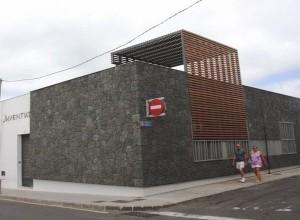 casa_de_la_juventud_en_puerto_del_carmen-300x220