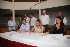 Pacto Ayt. de Tías PSOE,Lava y Podemos (14)