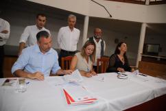 Pacto Ayt. de Tías PSOE,Lava y Podemos (15)