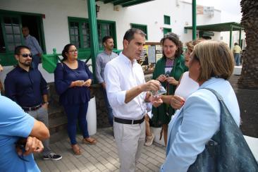 Pacto Ayt. de Tías PSOE,Lava y Podemos (22)
