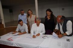 Pacto Ayt. de Tías PSOE,Lava y Podemos (40)