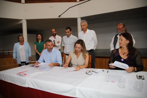 Pacto Ayt. de Tías PSOE,Lava y Podemos (42)