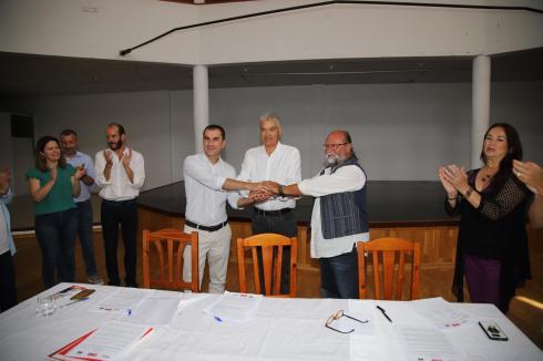 Pacto Ayt. de Tías PSOE,Lava y Podemos (45)