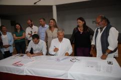 Pacto Ayt. de Tías PSOE,Lava y Podemos (6)